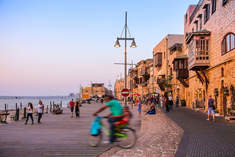 Izrael otworzy hotele i siłownie dla zaszczepionych i ozdrowieńców