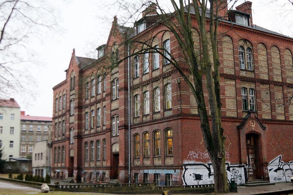 Piątek, 19 lutego 2021 r. Gorzowska Szkoła Podstawowa nr 1 jeszcze przed długo wyczekiwanym, generalnym remontem