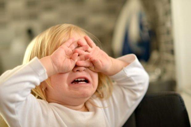 Pojawiają się pretensje: dlaczego nie jesteś taki jak inne dzieci? (fot. Shutterstock)