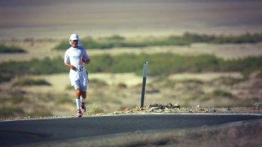 Niepełnosprawny Dariusz Strychalski z Łap wziął udział w słynnym najcięższym wręcz biegu na świecie - Badwater na 217 kilometrów w USA