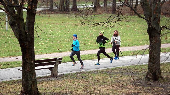Czy można biegać, spacerować i jeździć na rowerze? Nowe obostrzenia w związku z pandemią