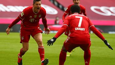 Bayern w dziesiątkę strzelił trzy gole w sześć minut! Hat-trick Lewandowskiego