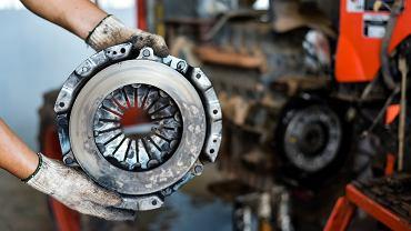Regeneracja sprzęgła pomoże nam zaoszczędzić sporo pieniędzy. Zdjęcie ilustracyjne, Somchai_Stock/shutterstock.com
