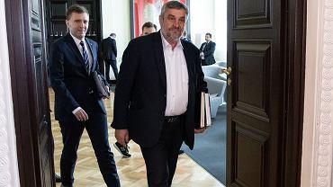 Jan Krzysztof Ardanowski chce, żeby Polacy jedli żubry i bobry. Specjaliści mówią o zagrożeniu