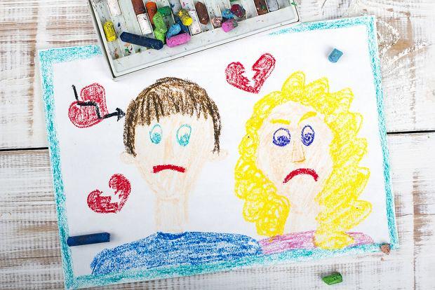 Rozstanie rodziców nie jest winą dziecka, powinno ono mieć zapewnione odpowiednie warunki. A alimenty są przeznaczane właśnie na zapewnienie bytu dziecku