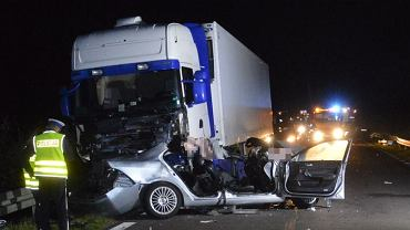 Tragiczny wypadek w Biłgoraju. Nie żyje 19-latka i 22-latek
