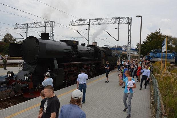 Zdjęcie numer 4 w galerii - Zabytkowy pociąg przyjechał do Żywca piękną trasą [ZDJĘCIA]