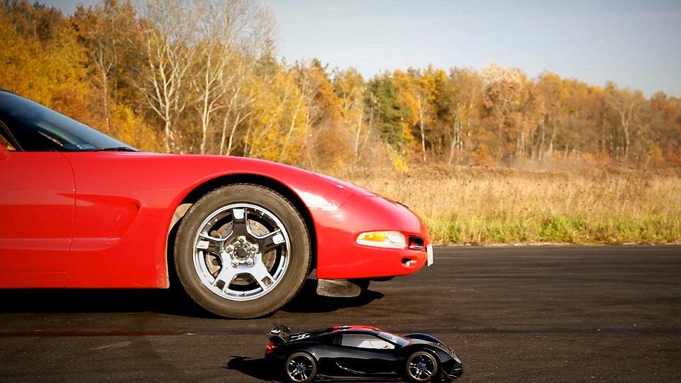 TRAXXAS kontra Corvette