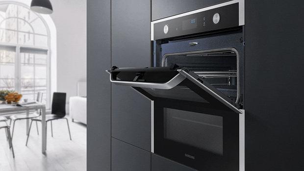 Piekarnik elektryczny z technologią Dual Cook Flex