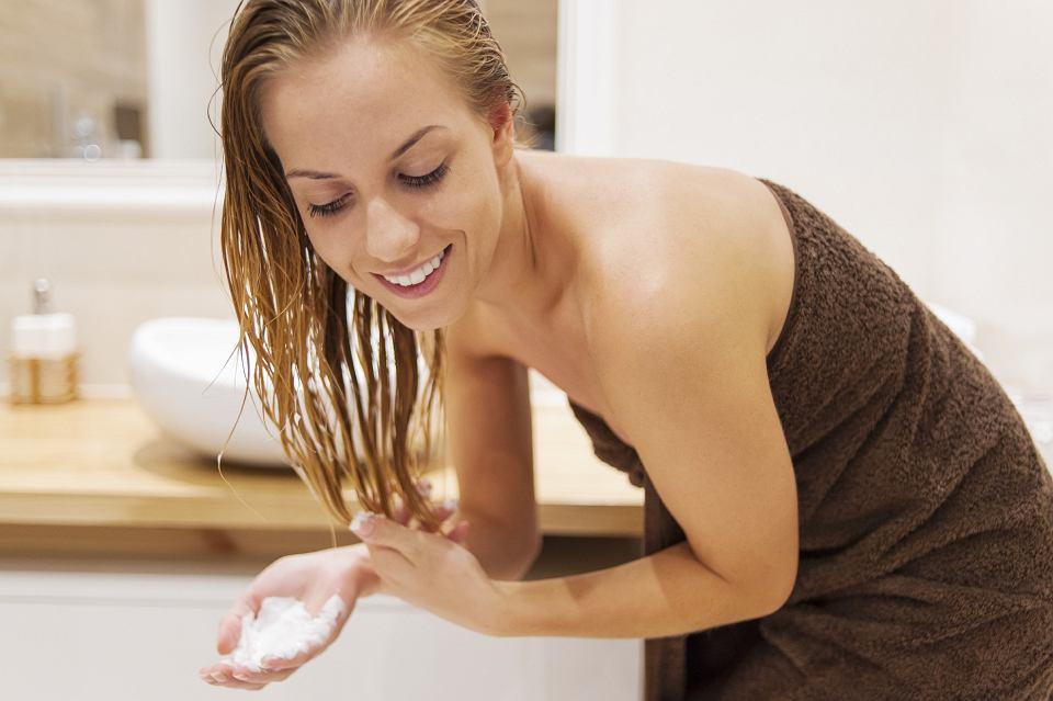 jak dbać o cienkie włosy