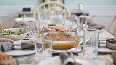 Jak powinien wyglądać stół komunijny?