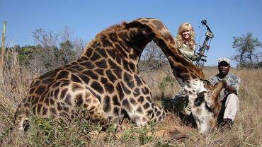 Rebecca Francis opublikowała zdjęcia z zabitą przez siebie żyrafą