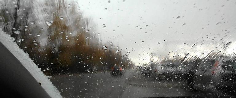 Pogoda. IMGW-ostrzega przed opadami śniegu, oblodzeniami i gęstą mgłą