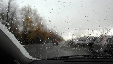 Naszego fotoreportera nagłe załamanie pogody złapało na Marywilskiej na Białołęce