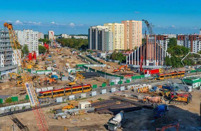 Budowa stacji metra Bródno i rozkopane skrzyżowanie u zbiegu ul. Kondratowicza, Rembielińskiej oraz Bazyliańskiej