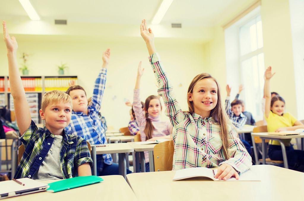 Najczęściej na etykę chodzą uczniowie podstawówek. Im dzieciaki są starsze, tym częściej rezygnują zarówno z etyki, jak i z religii (fot. iStockphoto.com)