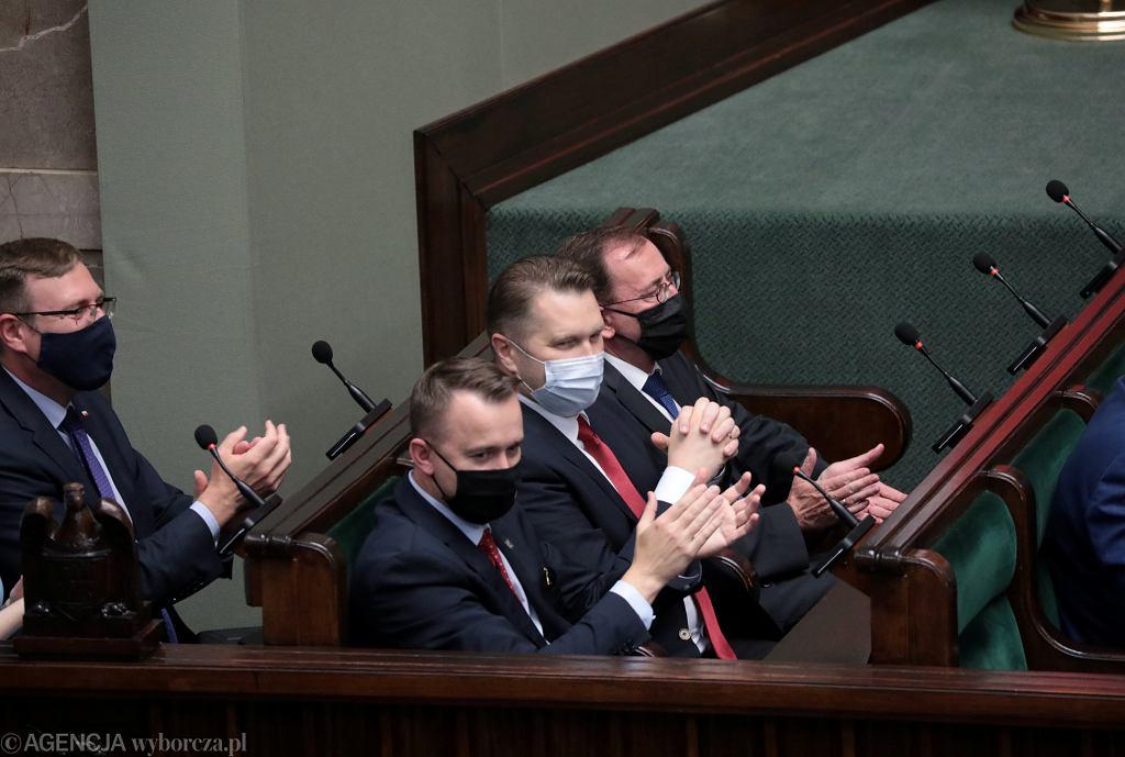 Minister edukacji i nauki Przemysław Czarnek podczas środowego posiedzenia w Sejmie
