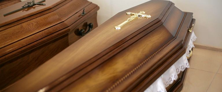 Koronawirus w Szczecinie. Zakłady pogrzebowe odmawiały przyjazdu po ciało 93-latki