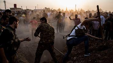 12.10.2019, Qamishli, Syria, pogrzeb syryjskich bojowników, którzy zginęli podczas walk z armią turecką.