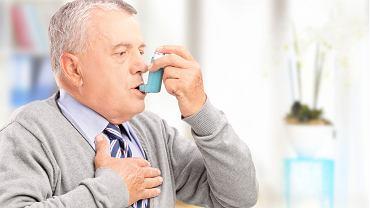 Nowoczesne leki wziewne pozwalają chorym żyć niemal zupełnie normalnie. Preparaty wapniowe mogą ograniczać ich skuteczność
