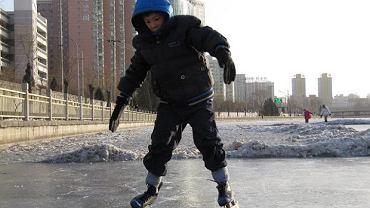 Zimą w zasadzie sport powszechnie dostępny i prosty, a zyski ogromne