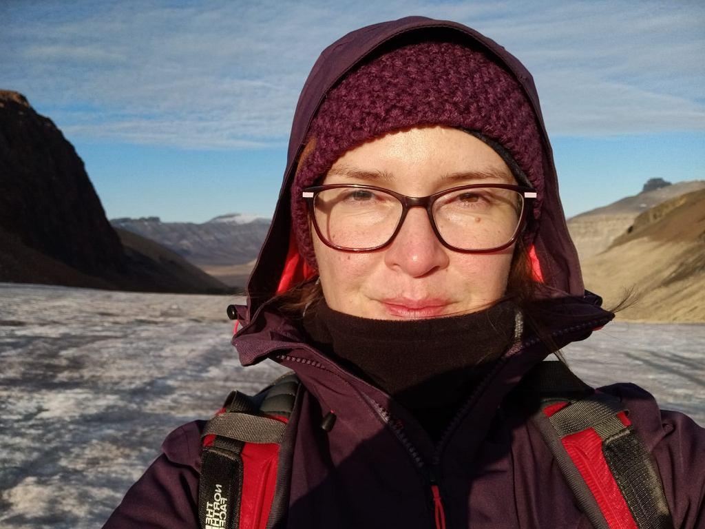 Maria Mazurek, dziennikarka Gazeta.pl podczas wyprawy na Spitsbergen