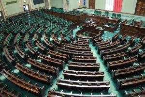 Ile zarabiają i ile mają na koncie najważniejsze osoby w Sejmie? Sprawdź!