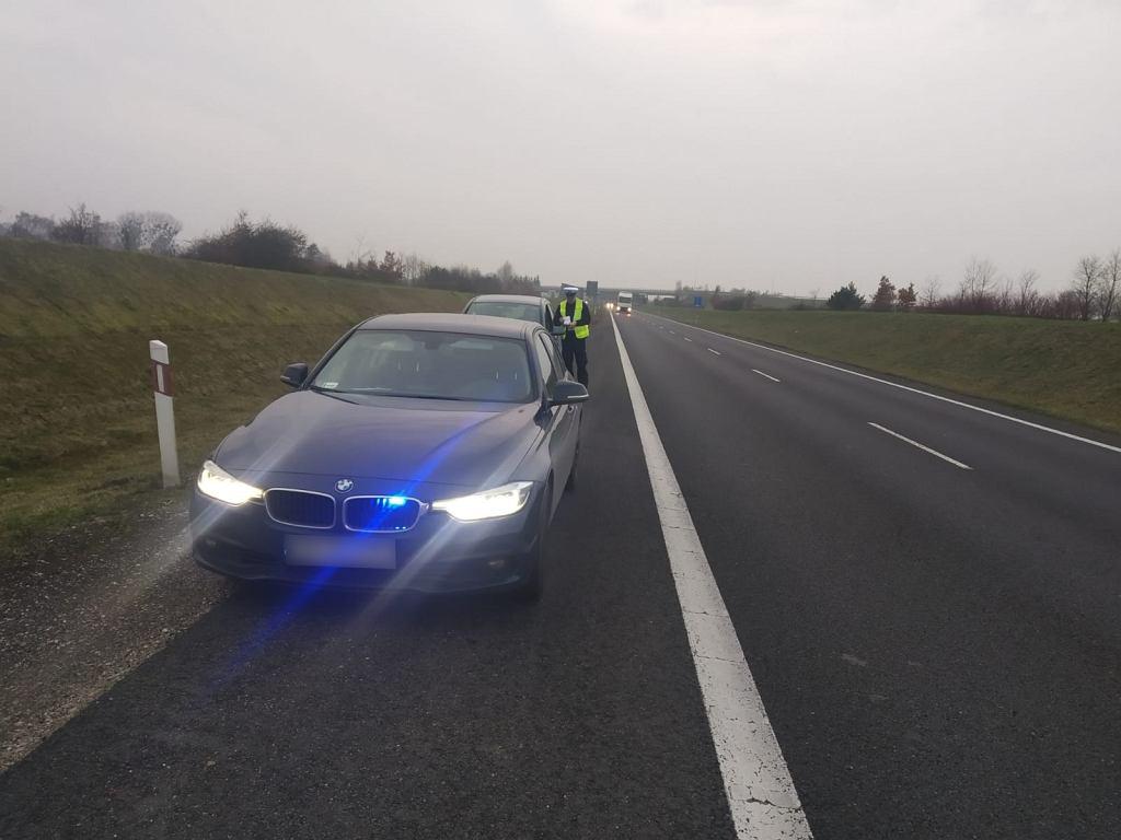 Policjanci z grupy 'Speed' prowadzili wczoraj od 14 do 22 działania na drodze krajowej nr 10 w trzech województwach