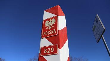 W 2019 roku liczba Polek i Polaków przebywających za granicą zmalała o 40 tys.*, czyli 1,6 proc. względem roku 2018.