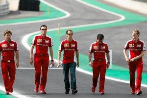"""F1. """"Dziesięć lat bez tytułu w Ferrari byłoby tragedią"""". A minęło już osiem. Co z Alfą Romeo?"""