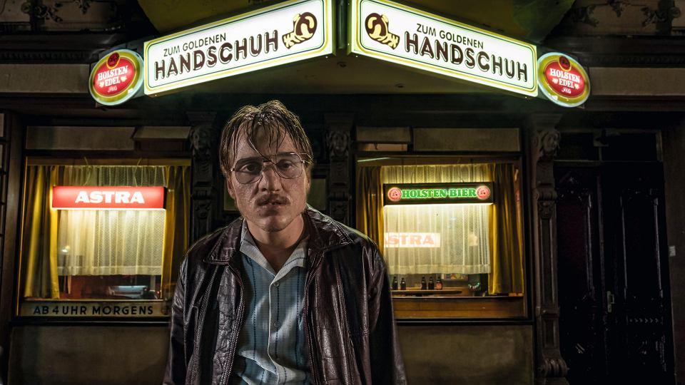 Jonas Dassler w filmie 'Der Goldene Handschuh' ('Złota Rękawiczka')