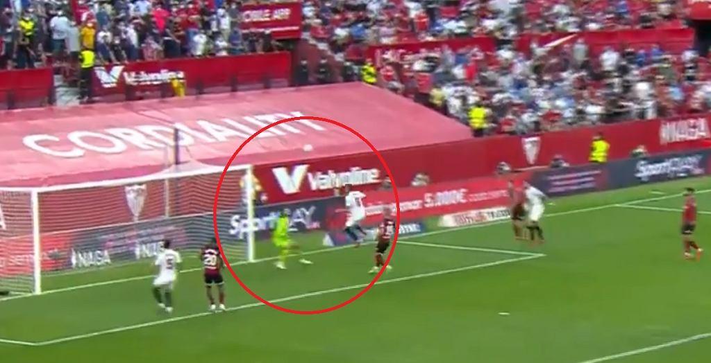 Kuriozalny gol w meczu Sevilla - Valencia