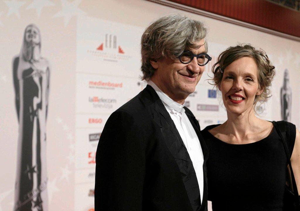Wim Wenders z żoną podczas gali w Rydze