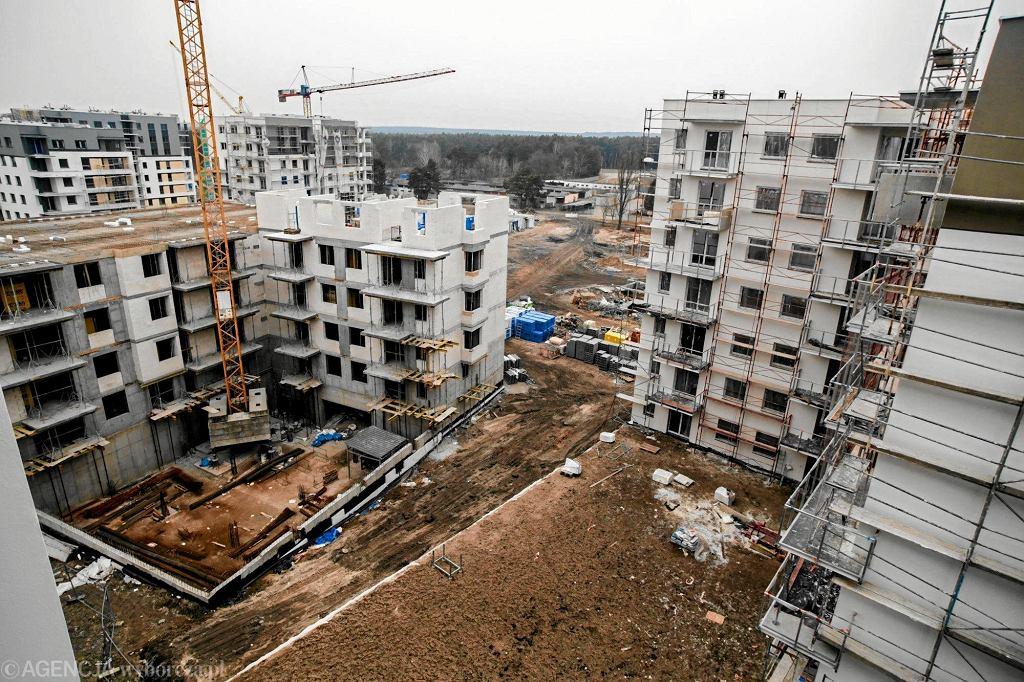 Budowa osiedla mieszkaniowego. Zdjęcie ilustracyjne
