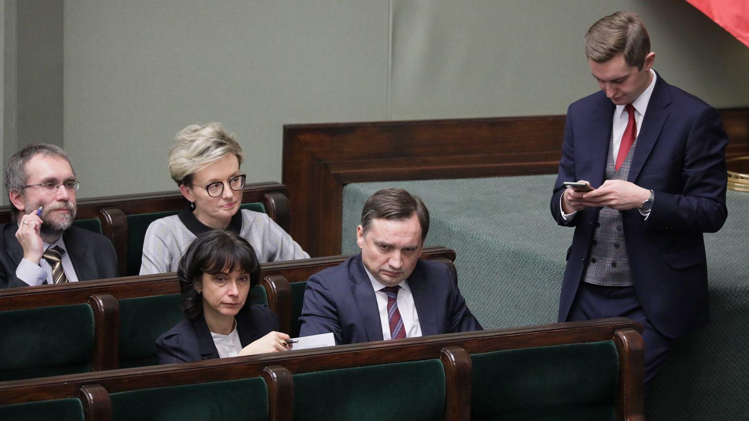 Sejm. Awantura podczas drugiego czytania ustawy represjonującej sędziów.