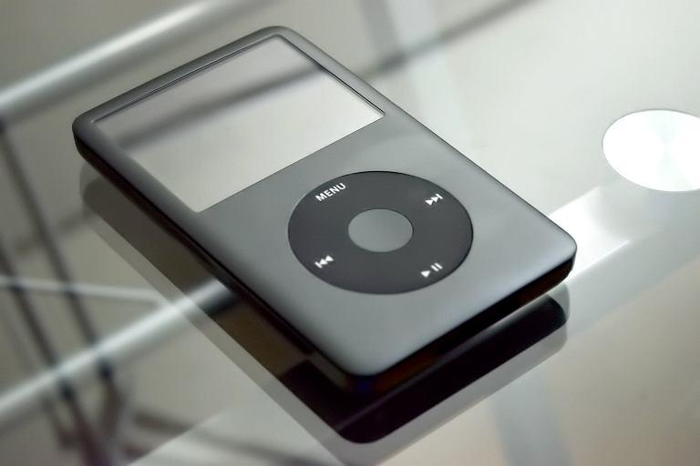Muzyka nie tylko ze smartfona - na czym słuchać?