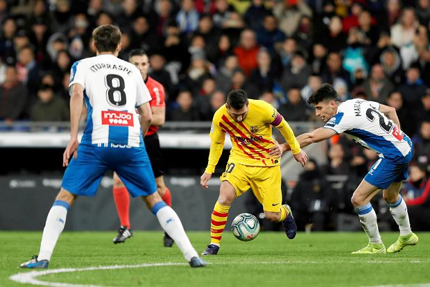 FC Barcelona straciła zwycięstwo w derbach w 90. minucie! Ma tyle punktów, co Real Madryt