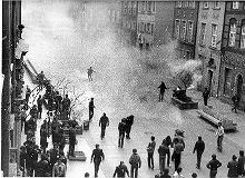 Co znaczy stan wojenny dla młodych Polaków? [SONDA]