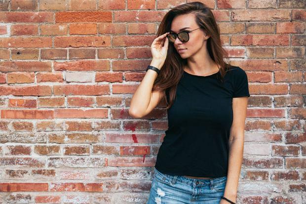 Koszulki i topy: czy zwykłe koszulki i topy mogą sprawić, że