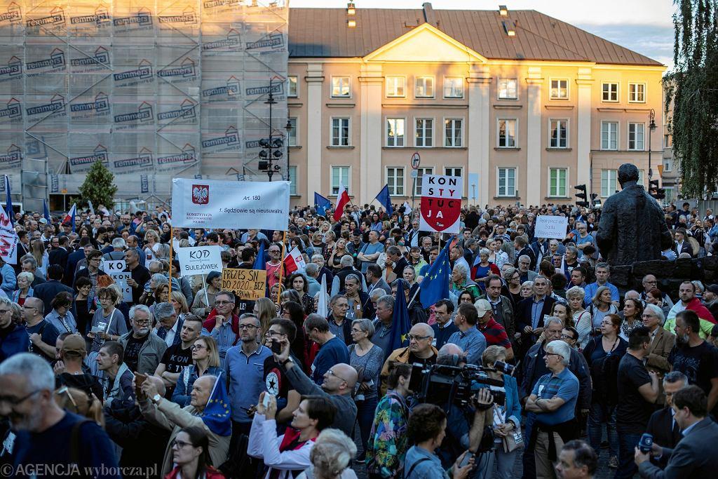 .Protest w Warszawie w obronie Sadu Najwyższego