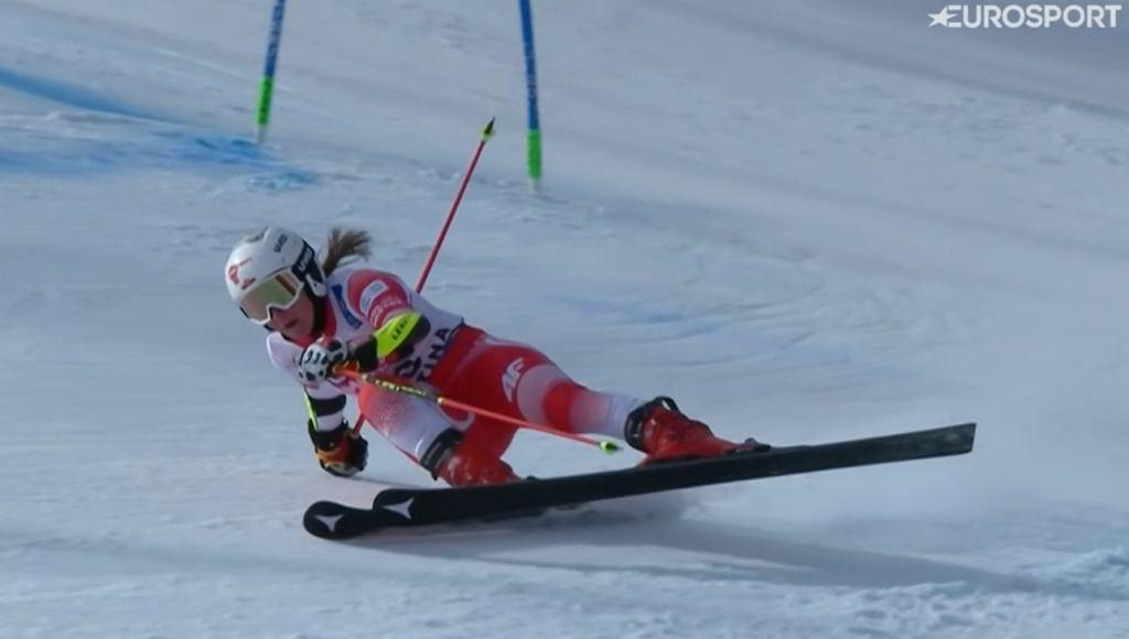 Maryna Gąsienica-Daniel na trasie giganta podczas MŚ w Cortinie d'Ampezzo