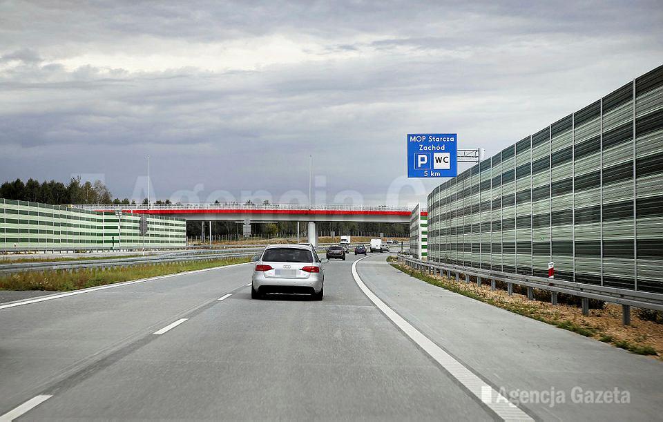 Narodowe obsesje są jak szumiąca autostrada, której nie całkowicie wyciszyć  ekranami dźwiękoszczelnymi.