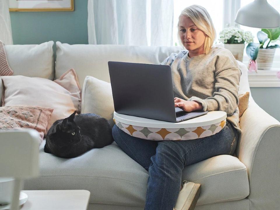podkładki pod laptopa poduszka