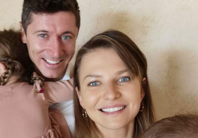 Anna Lewandowska odpowiedziała szczerze na pytania fanek. Porody trwały 28 godzin i 28 minut. Padło pytanie o trzecie dziecko