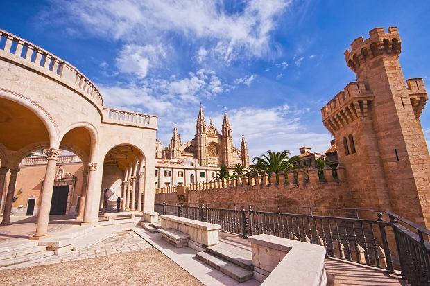 Katedra La Seu i Pałac La Almudaina - widok z tarasu pałacu-muzeum rodziny March
