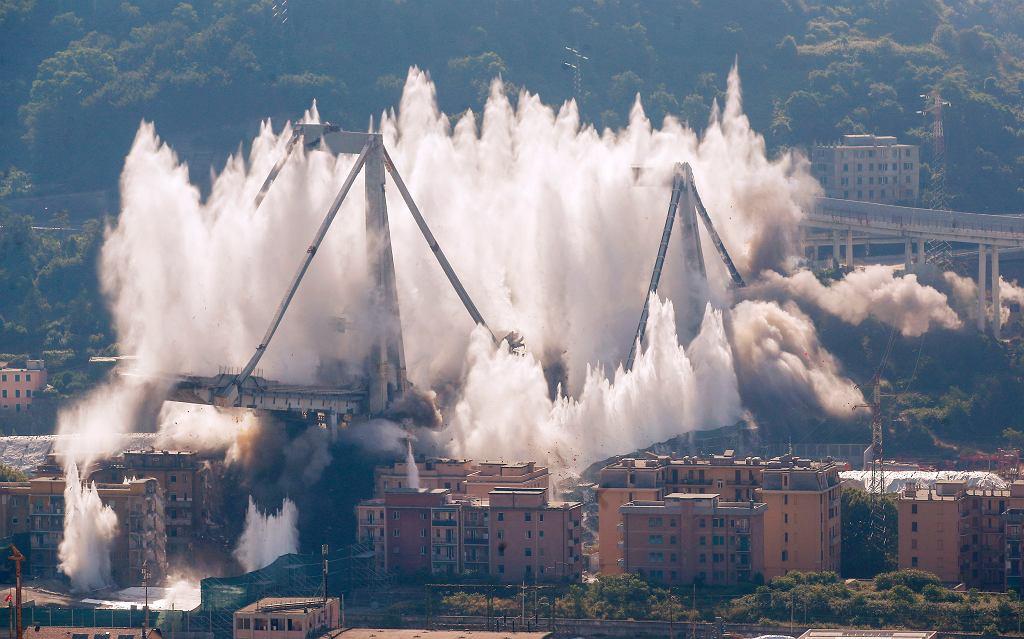 Detonacja mostu w Genui