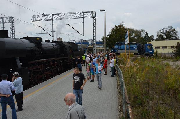 Zdjęcie numer 5 w galerii - Zabytkowy pociąg przyjechał do Żywca piękną trasą [ZDJĘCIA]