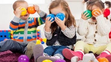 Jak urządzić kącik dla dziecka w salonie?