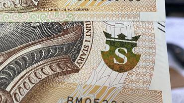 Bankomaty wydają banknoty z kolejnymi numerami seryjnymi