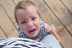 Lęk separacyjny u dzieci - kiedy powinien niepokoić?